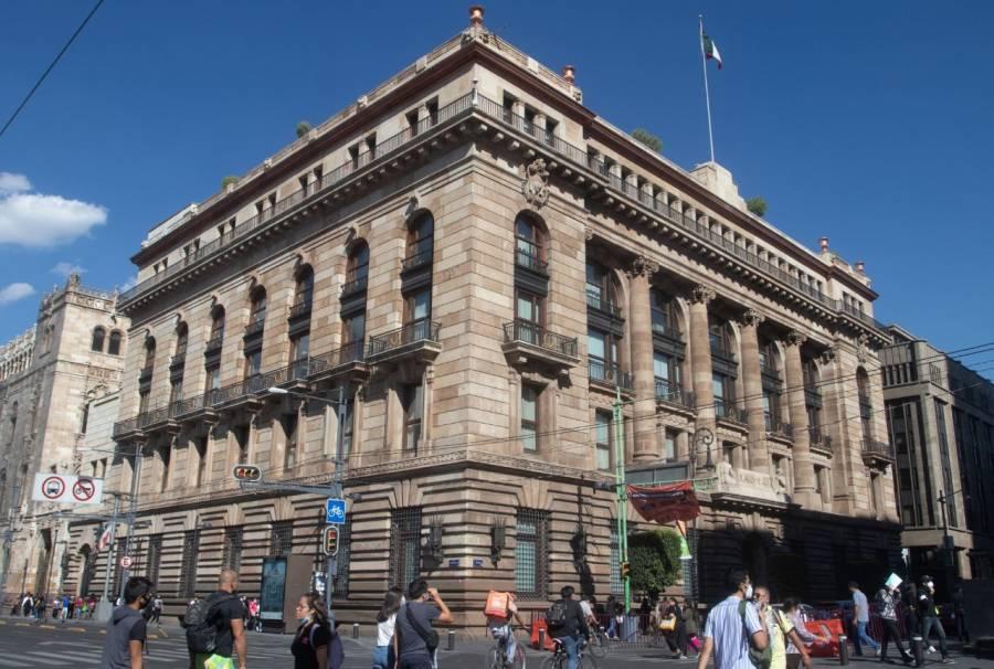 Sin cambios, Banxico mantiene tasa de interés en 4.25%