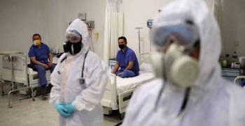 Llegan 500 médicos cubanos para apoyar en atención a Covid en CDMX