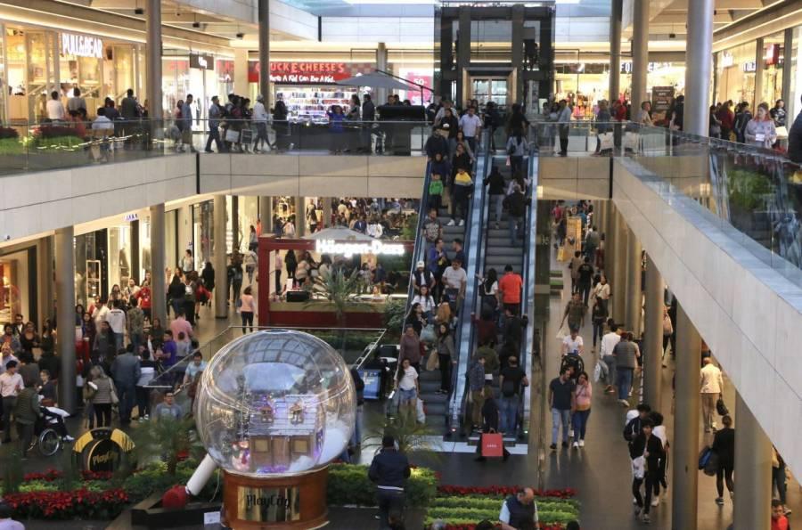 CDMX: Compras de pánico en centros comerciales debido al semáforo rojo