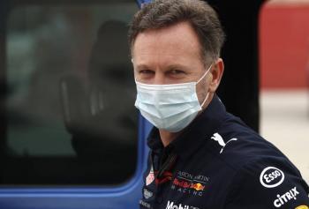 """""""Checo"""" es el piloto adecuado: director de Red Bull"""
