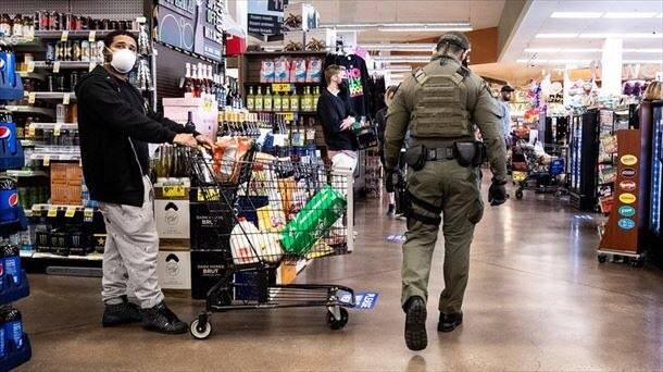 Inmovilizan productos no esenciales en supermercados en CDMX y EDOMEX