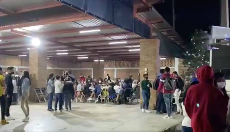En Guanajuato, autoridades desalojan fiestas con cientos de invitados