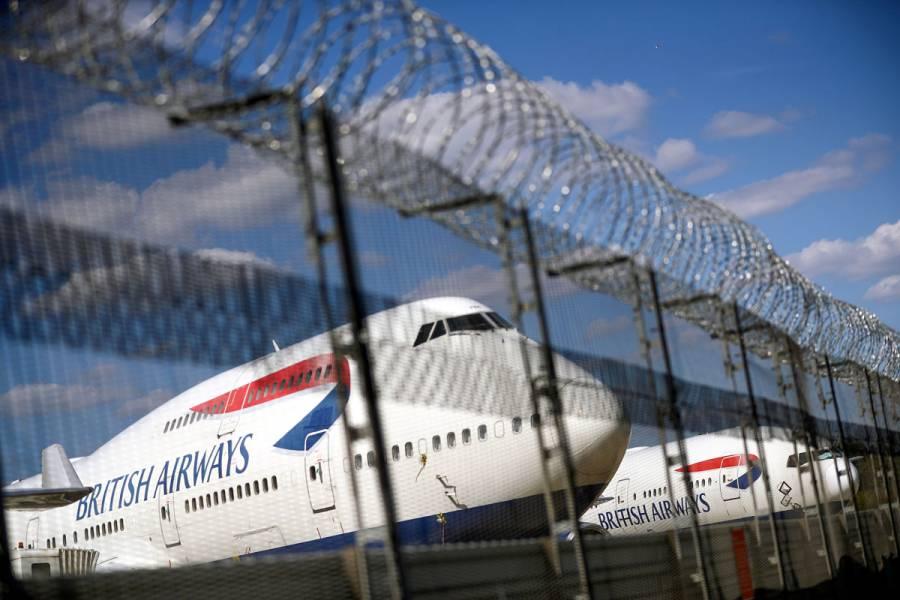 México analiza situación de vuelos provenientes de Reino Unido, por nueva cepa de COVID-19