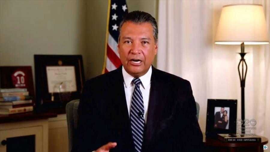 Hijo de inmigrantes mexicanos, será el reemplazo a Kamala Harris en el Senado