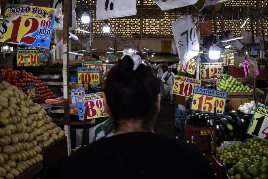 Se desacelera la inflación en diciembre