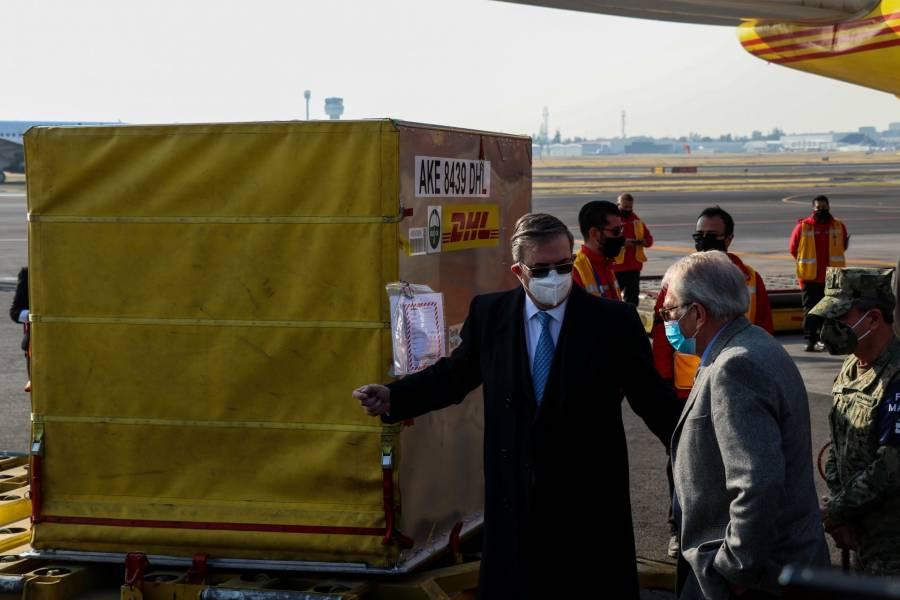Llega a México primer lote de vacunas Pfizer