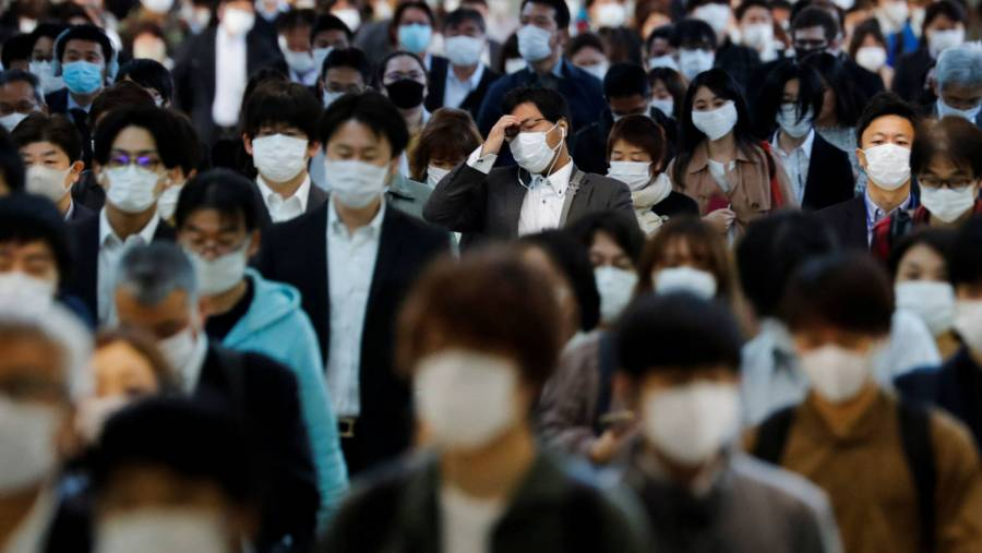 Japón cierra sus fronteras para frenar propagación de nueva cepa de covid