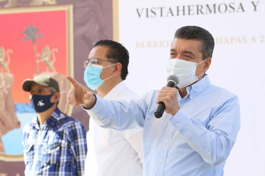 Reconoce gobernador de Chiapas a personal de salud por labor profesional