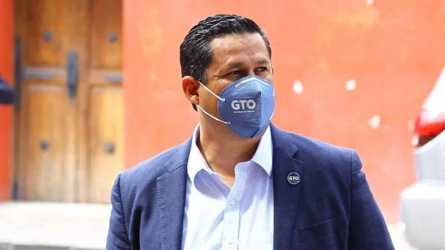 Hospitalizan al gobernador de Guanajuato