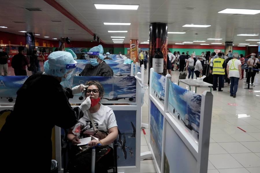 Cuba prohíbe entrada a viajeros  de México y 5 países más por Covid