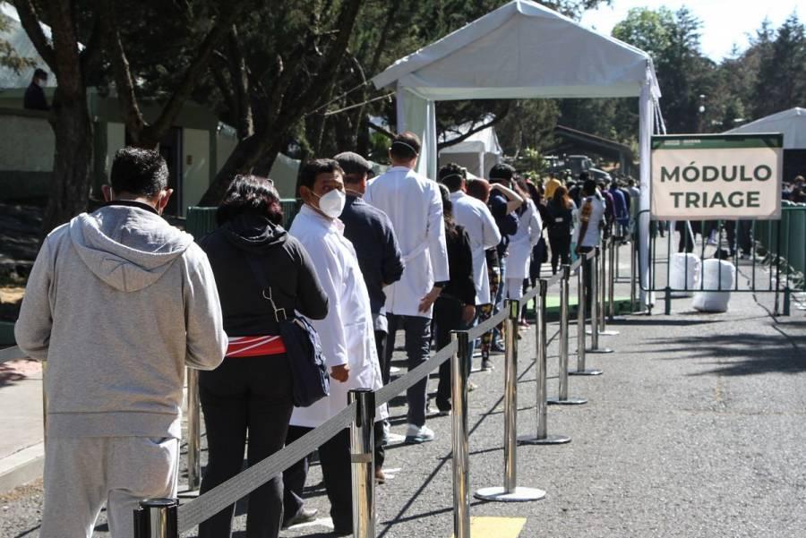 Se cuelan 29 funcionarios a vacunación contra COVID-19 en Coahuila