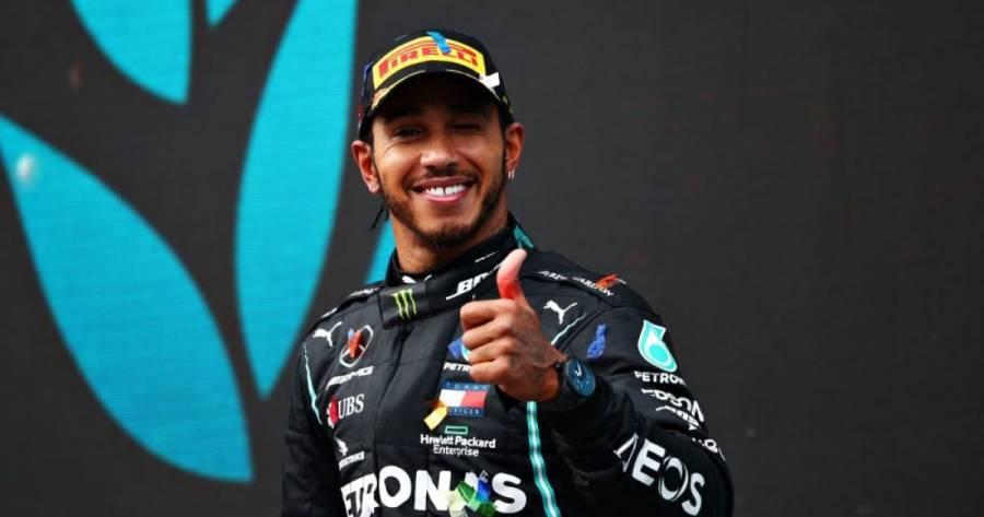 Lewis Hamilton es condecorado con el título de