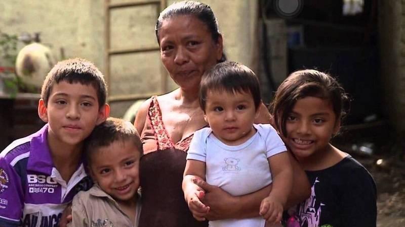 Milpa Alta entrega 2 mil pesos a estudiantes de primaria y secundaria