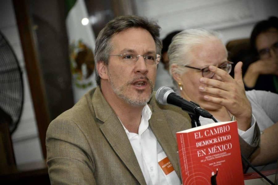 John Ackerman critica elección de Salgado Macedonio