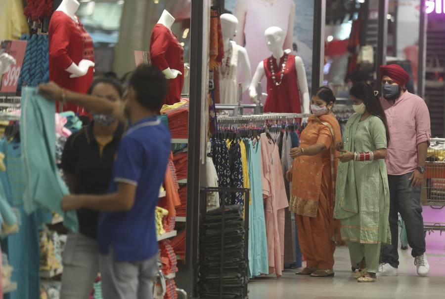 Prepara India campaña masiva de vacunación