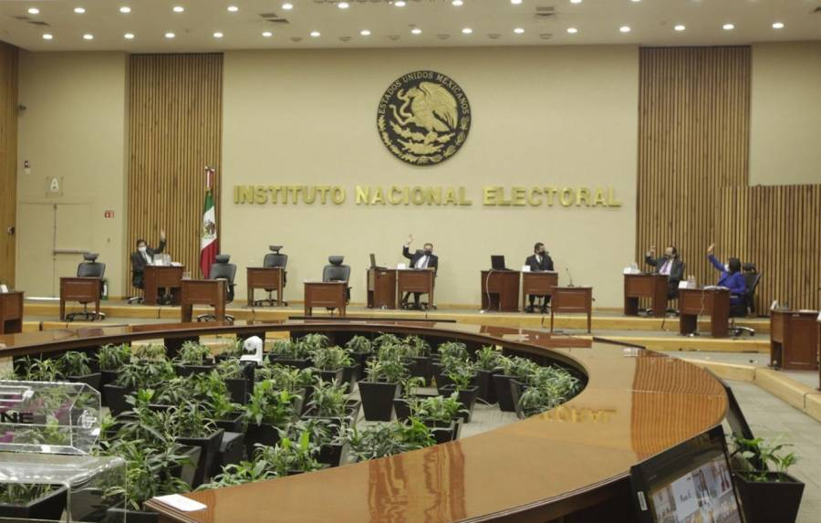 INE avala mecanismo para que partidos cedan tiempos en medios de comunicación al gobierno federal