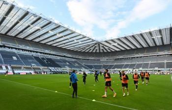 Premier League reporta récord de casos de COVID-19