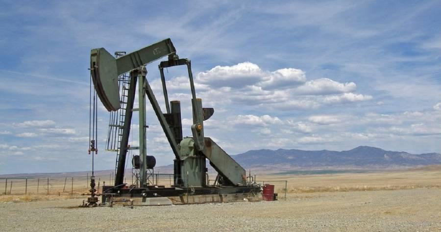 Los inventarios de crudo en Estados Unidos caen más que lo previsto en última semana: EIA