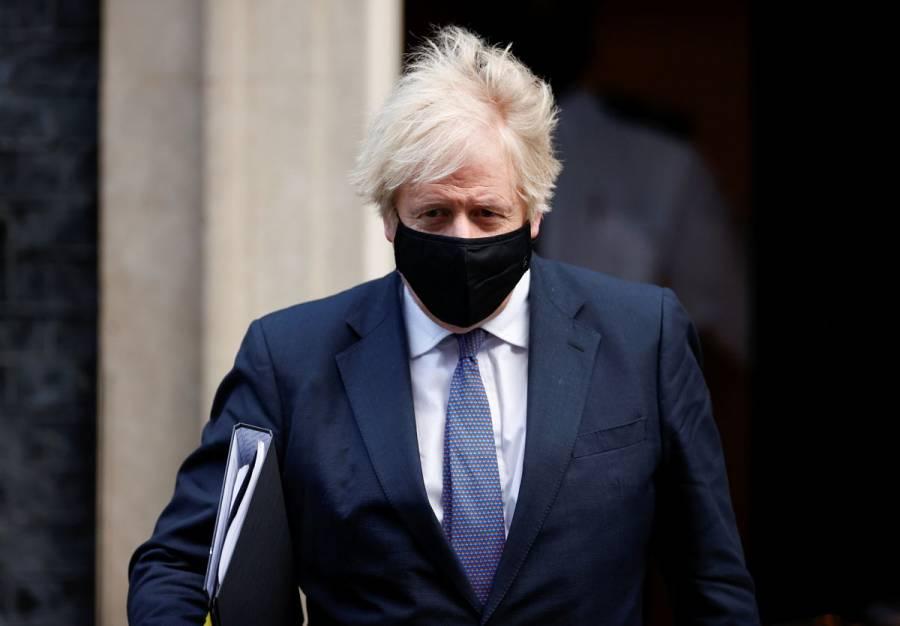 Reino Unido prolongaría confinamiento nacional hasta marzo