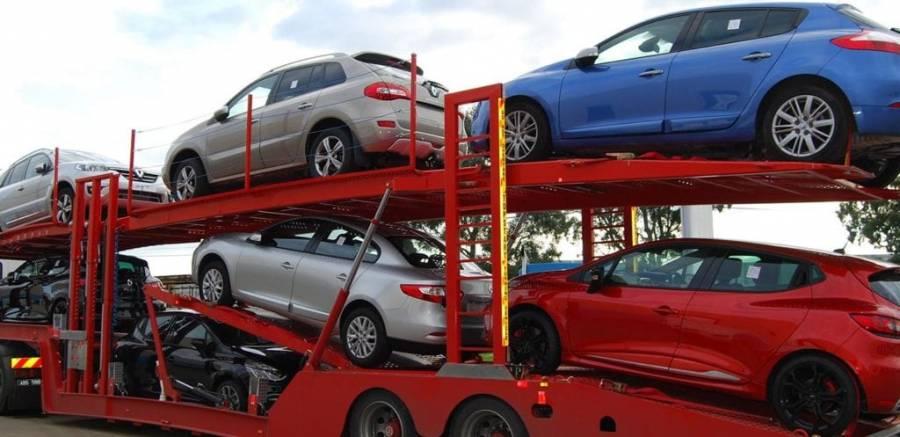 Venta de autos, primera víctima económica oficial cae 28% en 2020
