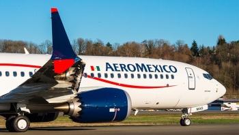 Sobrecargos de Aeroméxico contra cambios en el contrato