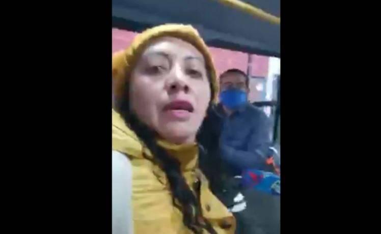 #LadyMeVale: Mujer se niega a usar cubrebocas en transporte de Metepec