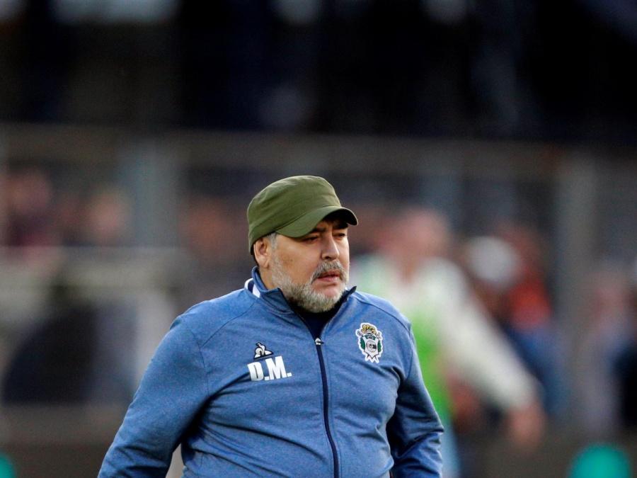 Solicitan información de las posesiones del 'Pelusa', el abogado de Maradona