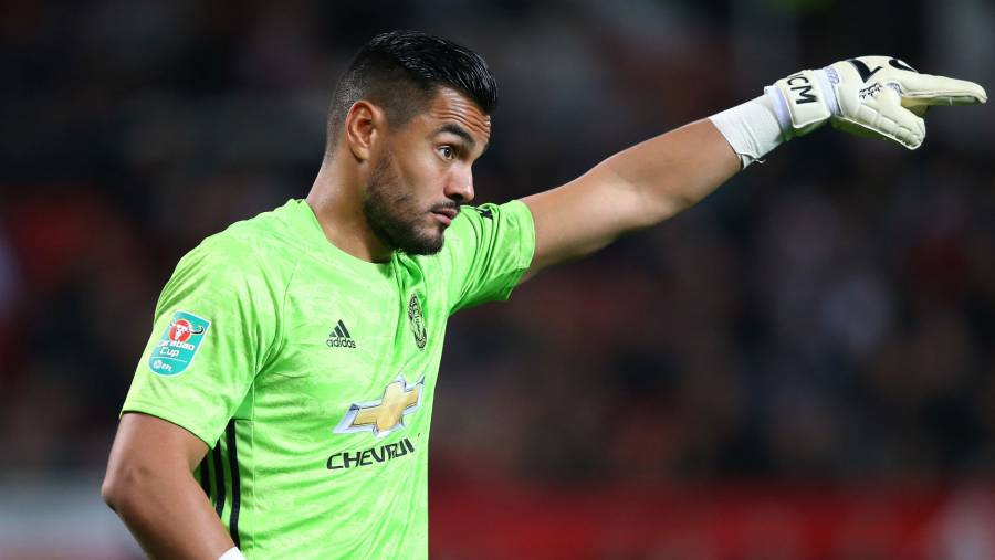 Manchester United dejará ir a Sergio Romero y Marcos Rojo