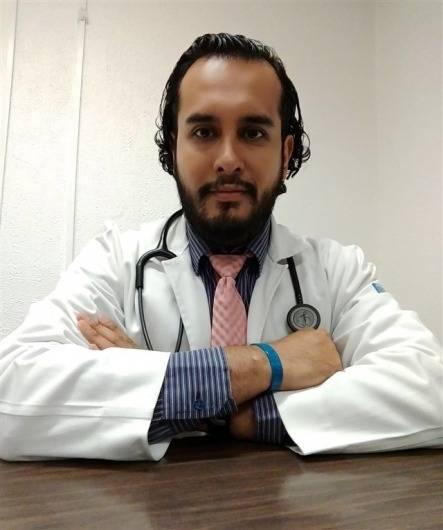 """""""Médicos privados deben ser censados para vacunarlos"""": Alfredo Nava, médico internista"""