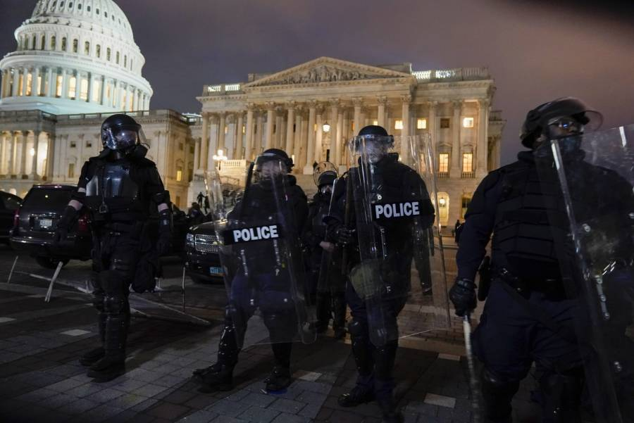 Policía EEUU continúa arrestos por ataque al Capitolio