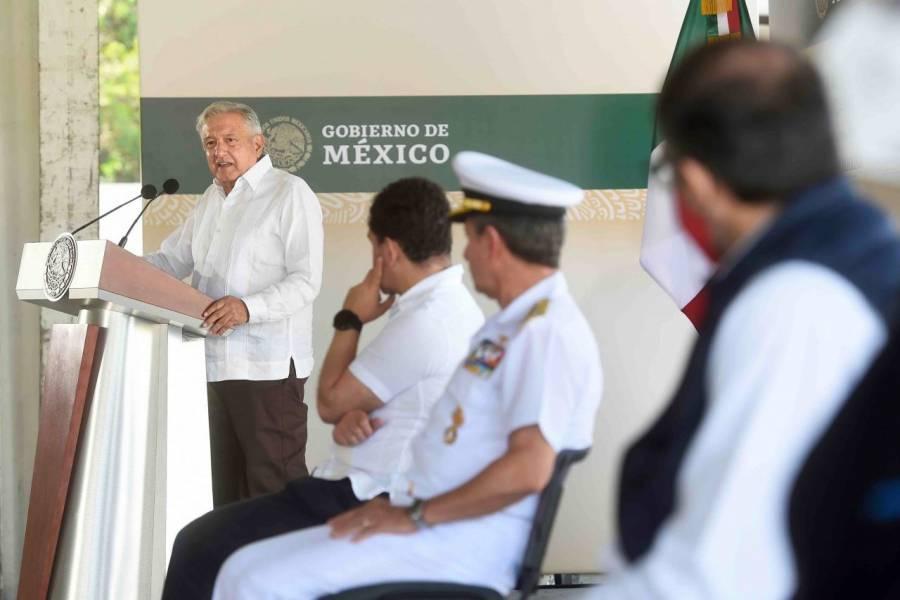 """AMLO: Que la Marina se haga cargo de los puertos """"no es militarizar"""""""