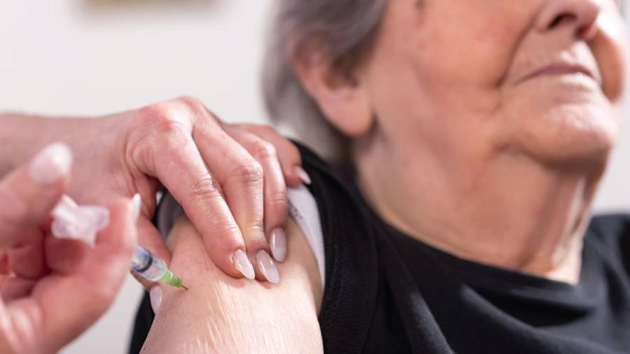 En abril, vacunados todos los adultos mayores para reducir un 80% muertes por COVID-19: AMLO
