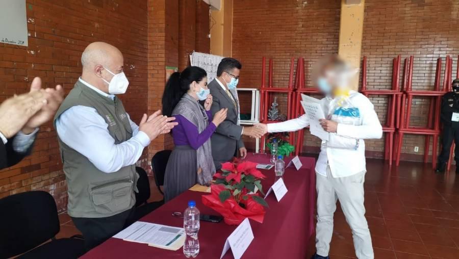 Se gradúa de Bachilleres el primer recluso en Cevarepsi
