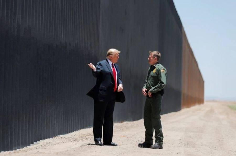 Donald Trump viaja a Texas para ver el muro fronterizo en últimos días de mandato