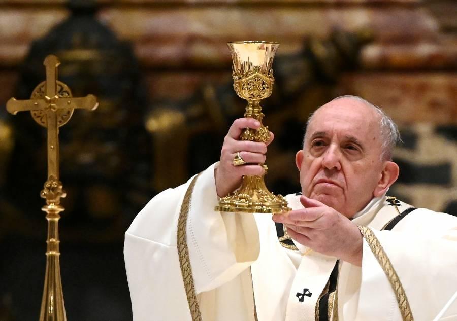Papa Francisco recibe vacuna contra COVID-19 en el Vaticano