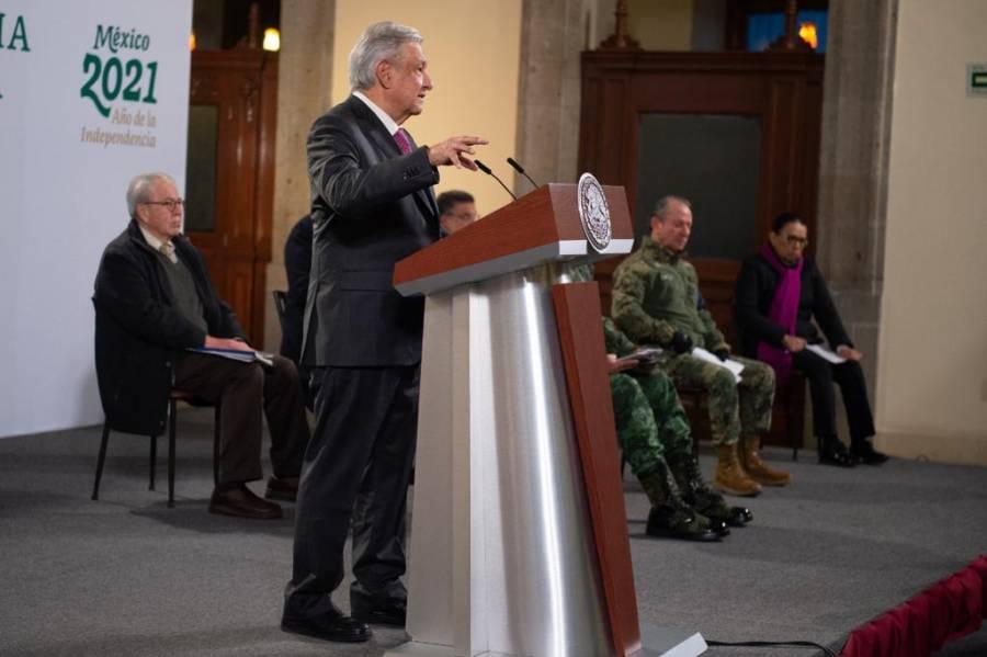 INE no debe confundir propaganda electoral con información: AMLO