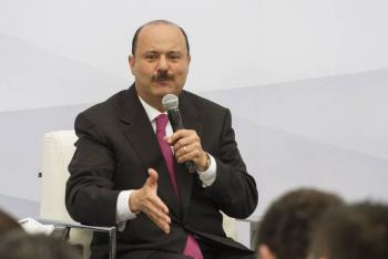 César Duarte tiene evidencia de que su vida corre riesgo si regresa a México, dice su defensa