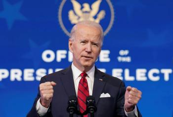 Biden elige a ex jefe de FDA, para liderar respuesta al COVID-19 en EEUU