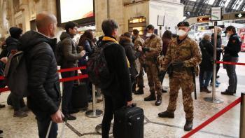 Italia extiende restricciones de COVID en mitad del temor a una tercera ola