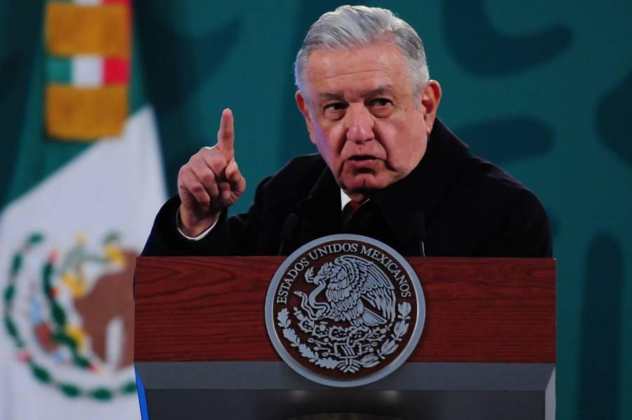 INE aprueba ordenar a AMLO no hablar de temas electorales en sus conferencias