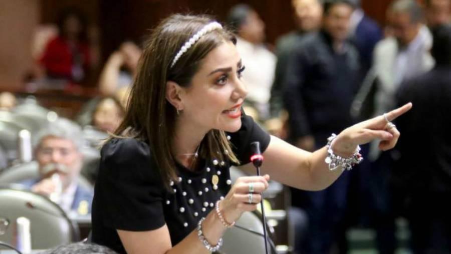 Nayeli Salvatori desata polémica en redes sobre vacunación a médicos privados