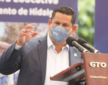 Diego Sinhue entrega obras por casi 200 mdp en Abasolo, Guanajuato