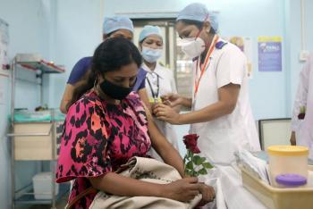 India lanza una de las mayores campañas de vacunación contra COVID-19 del mundo