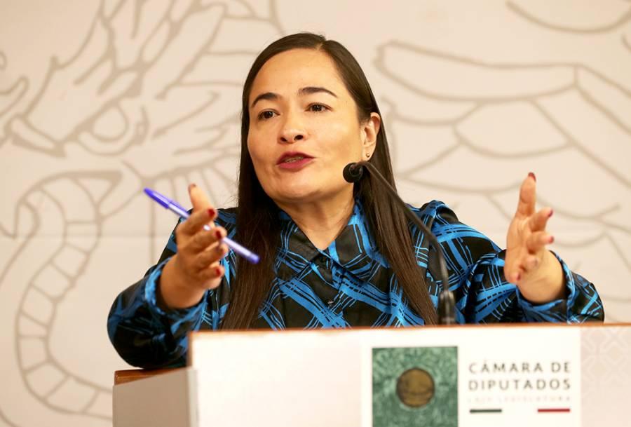 Vacunar primero a servidores de la nación ratifica uso político y electoral, acusa PRD