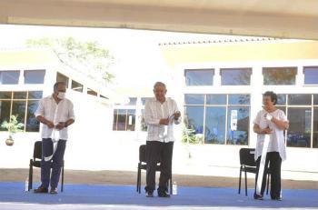 Ya operan 30 escuelas de medicina en el país, informa AMLO