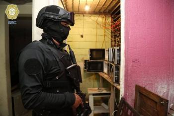 En vivienda de Iztapalapa aseguran droga la SSC y la FGJ