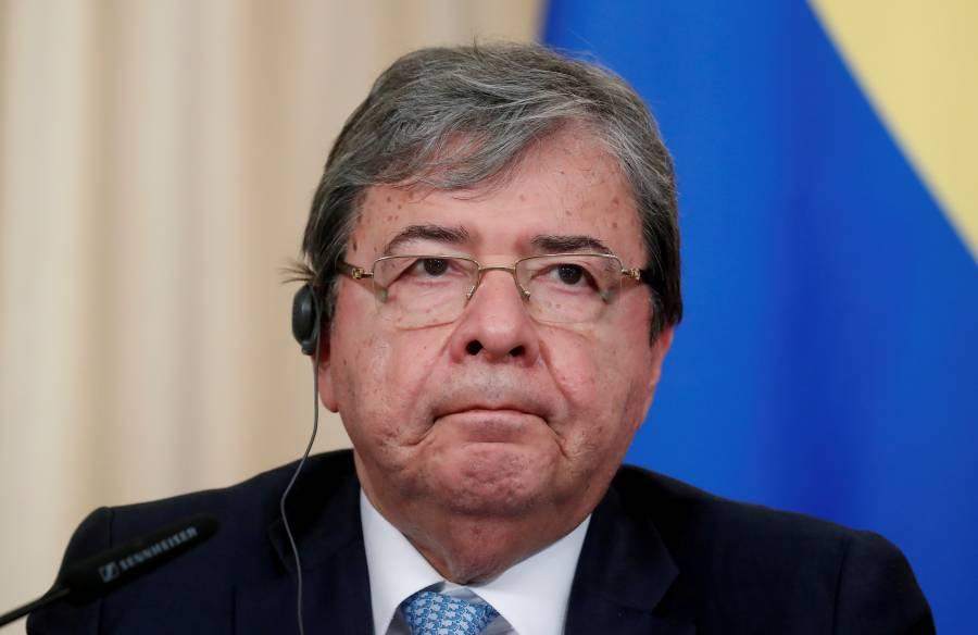 Ministro de Defensa de Colombia, hospitalizado en unidad de cuidados intensivos por COVID-19