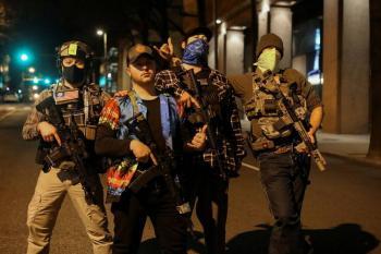 Manifestantes pro armas se congregan en Virginia tras asalto al Capitolio