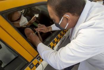 Servidores de la nación merecen ser vacunados: AMLO