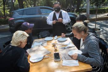 En la CDMX, los negocios de comida darán servicio al aire libre